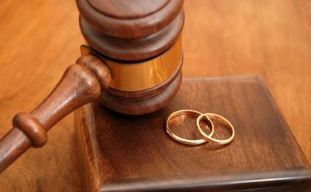 Divorziare con meno di CENTO euro, in Spagna è possibile!